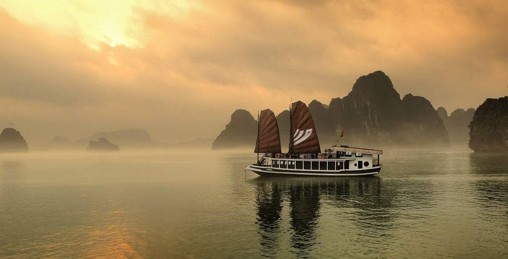 01_Halong_Bay_Bhaya_Cruise